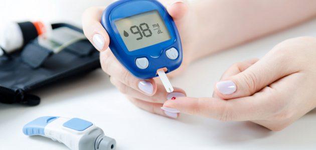 معدل نسبة السكر في الدم صائم وفاطر
