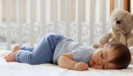 طرق صحيحة لنوم الطفل الرضيع