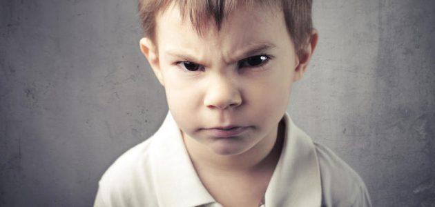 طرق التعامل مع نوبات غضب الطفل